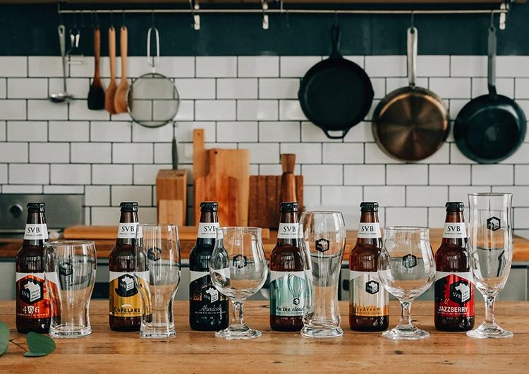 SVBを思いっきり楽しむ、至幸の家飲み〜グラス&注ぎ方篇〜|キリン オンラインショップ DRINX